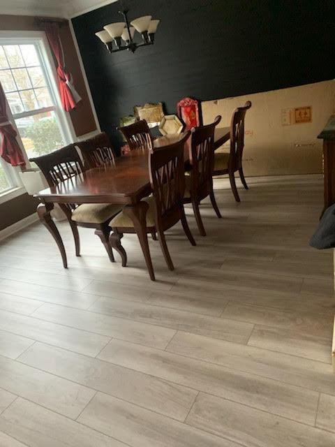 Dining room flooring | Flowers Flooring